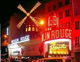 Das Varieté Moulin Rouge bei Nacht